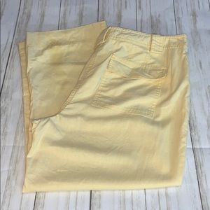 Size 12P Loft Yellow Linen Blend Cropped Pants
